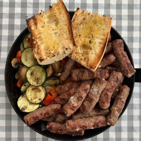 Cevapcici mit Feta-Frischkäse-Füllung