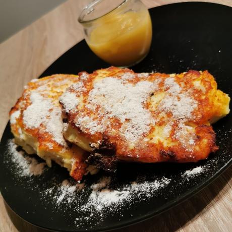 Fluffige Vanille – Quark – Kartoffeltaschen mit frischen Zimt und Apfelmus