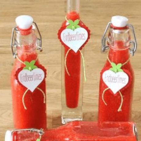 Erdbeer – Vanille – Zimt – Zitronen – Likör mit weißen Rum