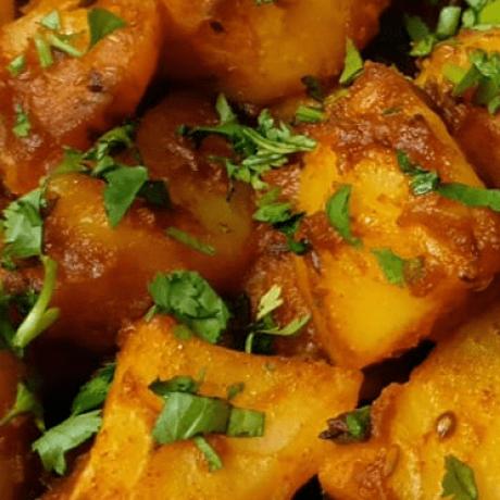 Orientalisches Street Food – Khattay Aloo – Säuerliche Kartoffeln