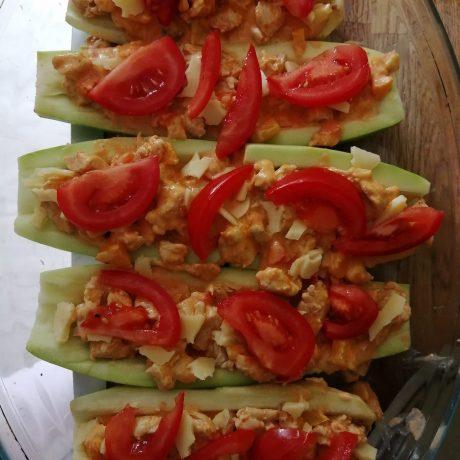 Zucchini und Hähnchen aus dem Ofen