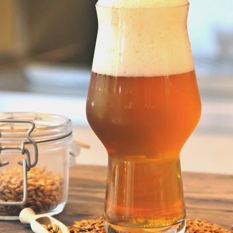 Würzige heiße Biersuppe