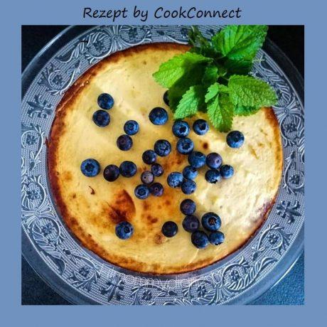 Gesunder Protein-Fitness-Kuchen mit Heidelbeeren und Kokos
