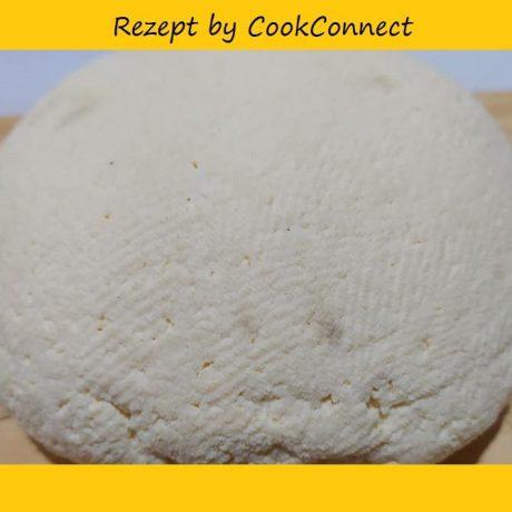 Selbstgemachter, frischer Käse 700g