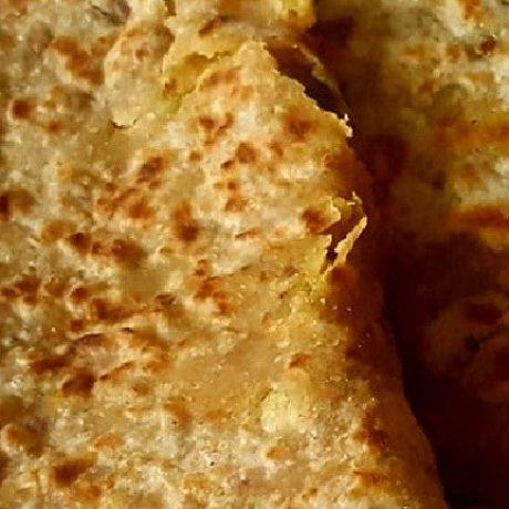 Kartoffel – Chili – Vollkorn – Brot mit gesunden Knoblauch und frischer Petersilie