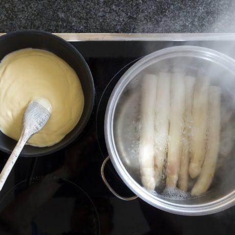 Frische Sauce Hollandaise selbstgemacht mit Kräutern
