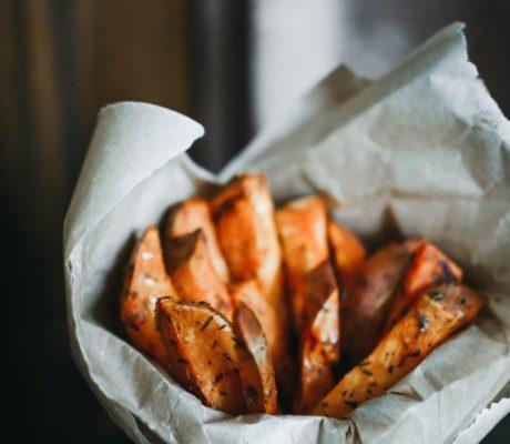 Scharfe Süßkartoffeln aus dem Wok