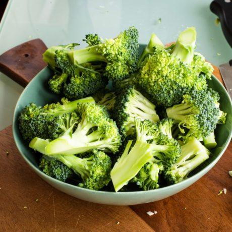 Dinkelnudeln  mit Brokkoli