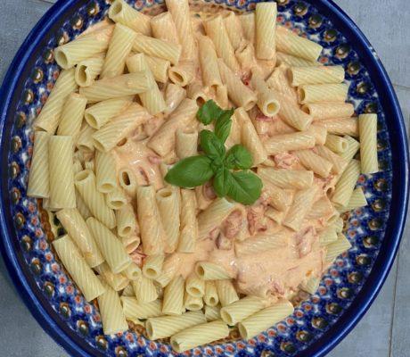 Nudeln mit Tomaten-Parmesansauce | Laktosefrei